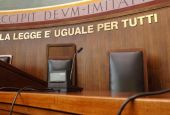 Battisti vs Alongi: duello sul Tribunale