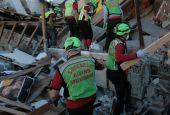 Fiaccole sul Vettore per le vittime del terremoto