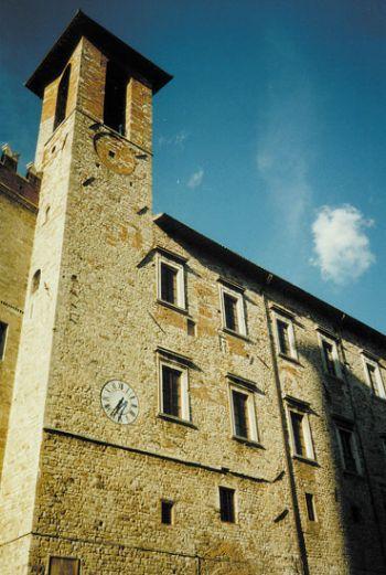 Todi: Ruspolini risponde duro alla Cgil sui dipendenti