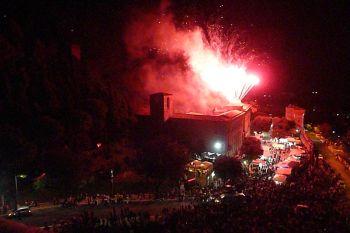Fuochi d'artificio superlativi per la festa della Consolazione a Todi