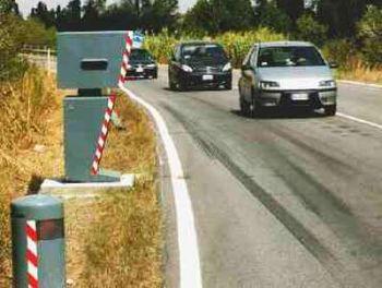 Autovelox delle Piagge a Todi sradicato dai vandali