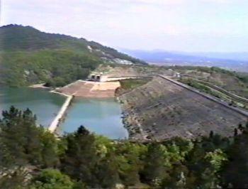 Si svuota la diga di Montedoglio