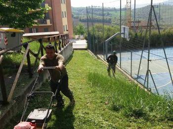 Casapound al lavoro al Quartiere Europa