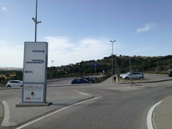 Parcheggio al sole all'ospedale di Pantalla