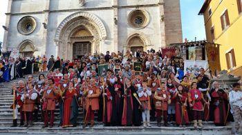 Domenica 15 Todi diventa la Città degli Arcieri