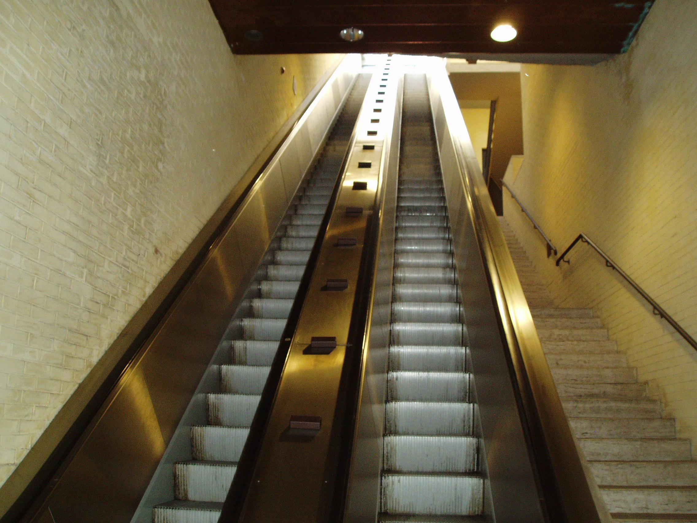 Due nuove scale mobili per perugia il - Sognare scale mobili ...