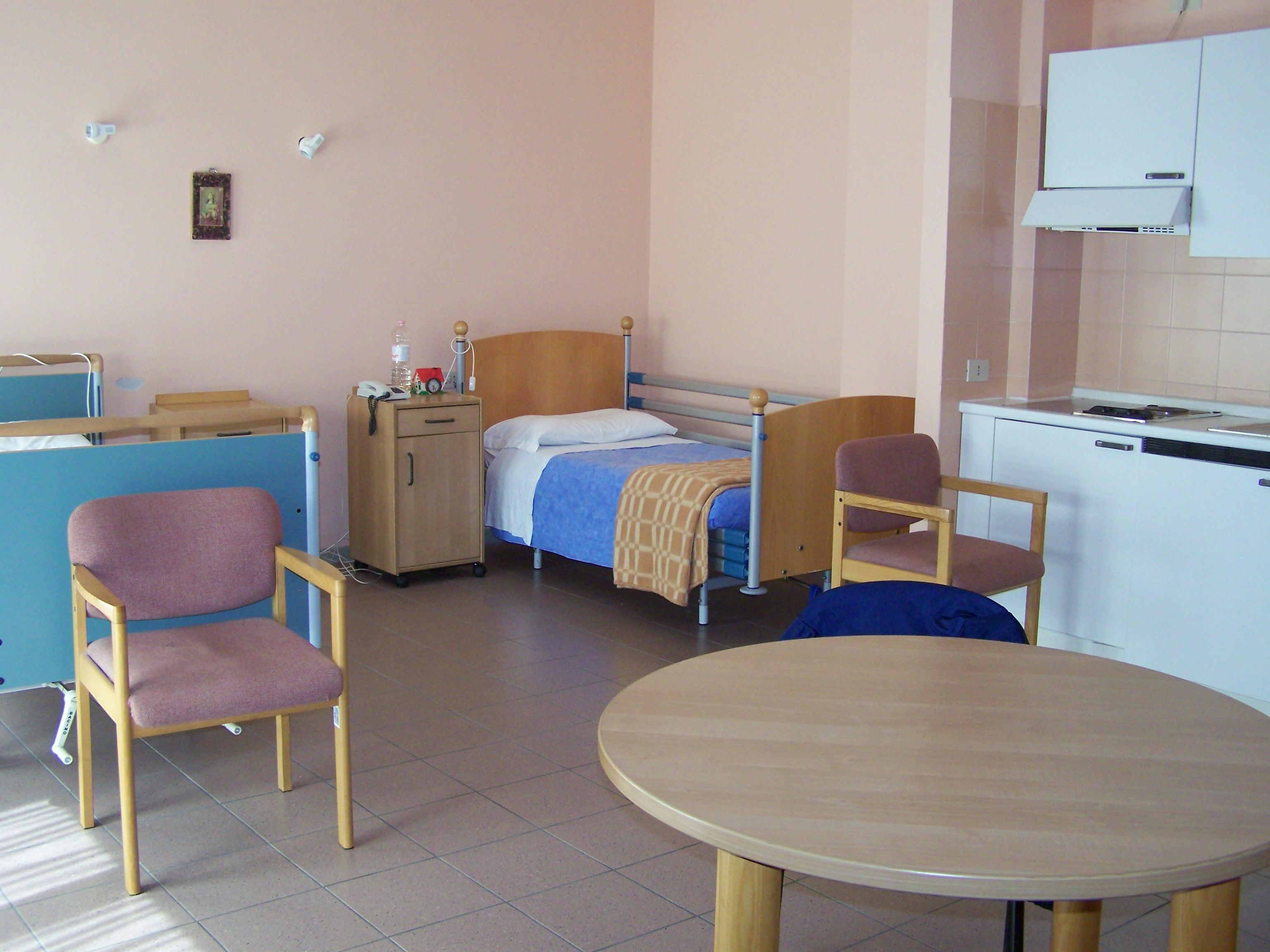 Ex ospedale di todi casa albergo per single ed anziani for Casa per single
