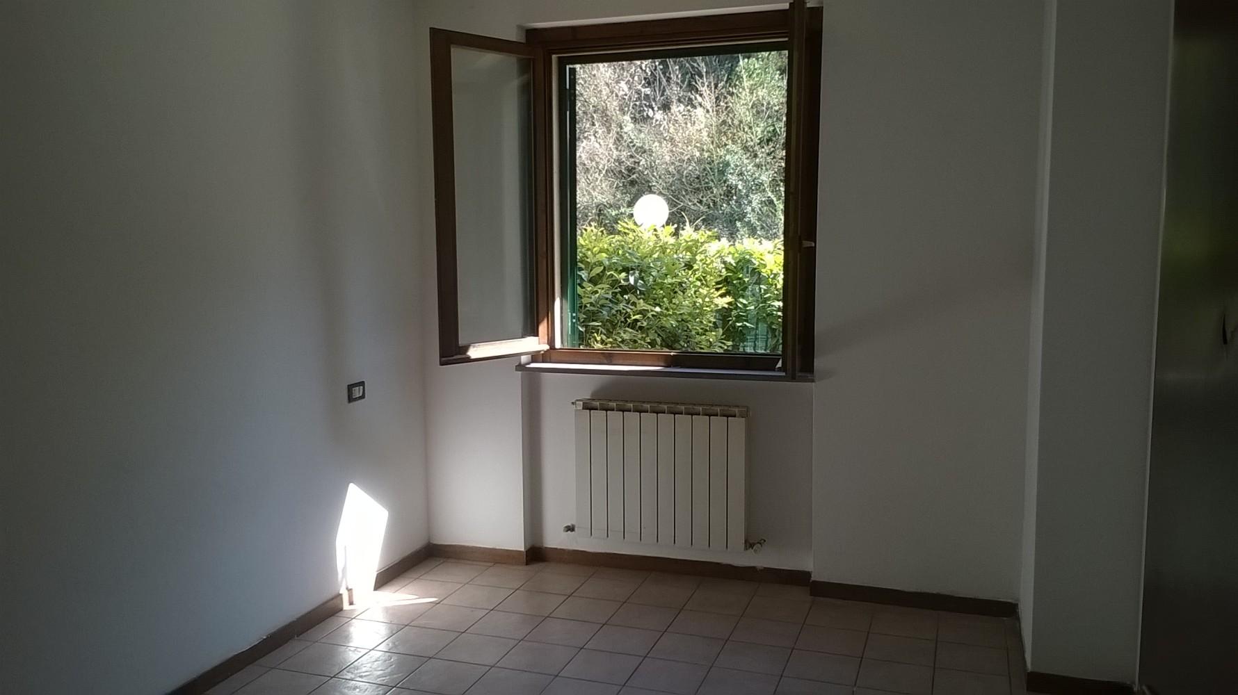 Perugia centro vicinanze appartamento con garage e for Garage prefabbricato con costo dell appartamento