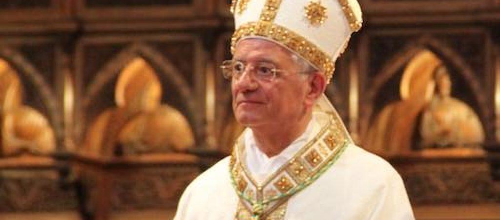 Auguri Di Buon Natale Al Vescovo.Il Vescovo Tuzia Augura Un Buon Natale Iltamtam It Il